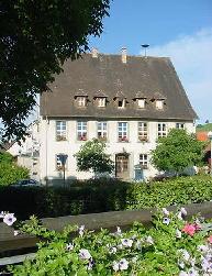 Schul- und Rathaus